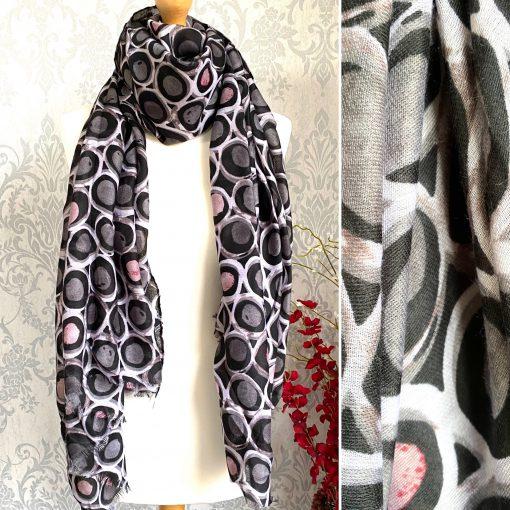 Grey, bold, circles, scarf