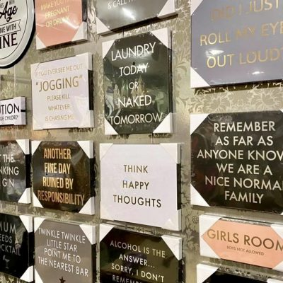 Wall plaques & signs