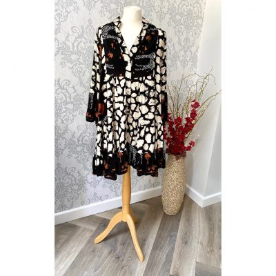 Black, giraffe, dress
