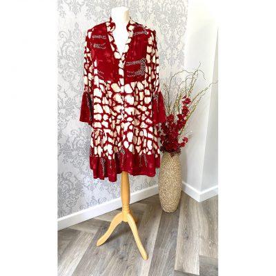 Red , giraffe, dress