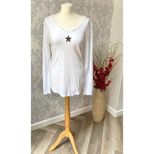 white, frayed, star, long sleeve, top